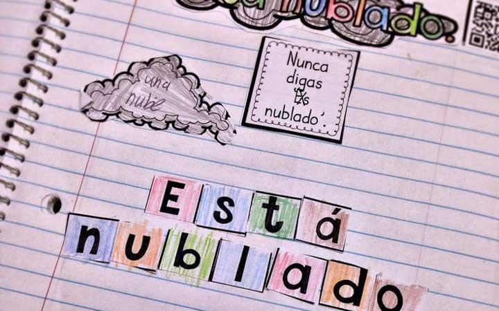 برای یادگیری اسپانیایی یک دفترچه تهیه کنید و لغتهایی که یادگرفتهاید در آن یادداشت کنید.