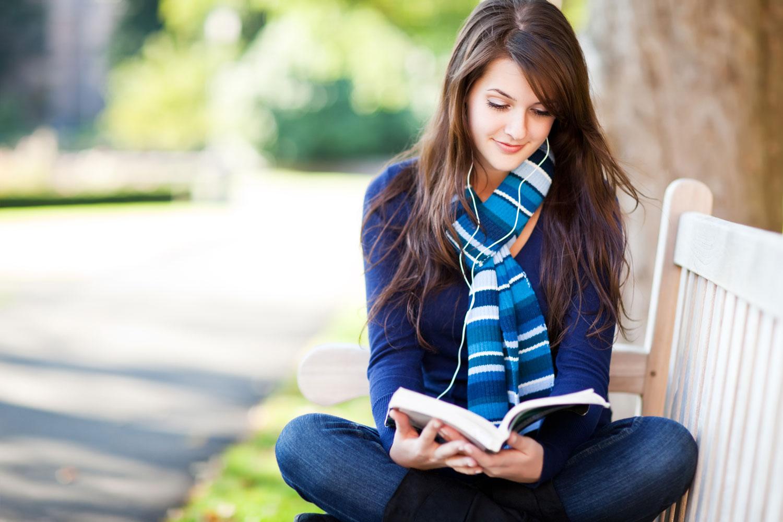 کتاب خواندن-سرگرمی مفید