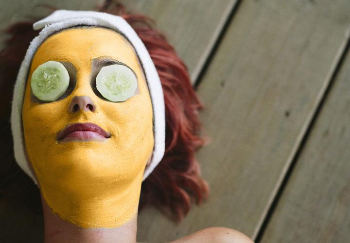 پوست درخشان - ماسک زردچوبه