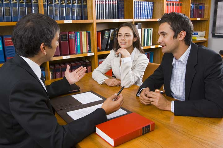 وکیل معاضدتی و اتفاقی چیست و چه شرایطی دارد