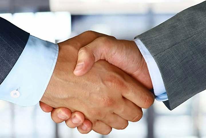 فروش سازمانی - اولین مشتری