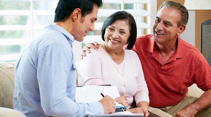 استرس مالی - از خدمات آموزش یا مشاورهی مالی کمک بگیرید