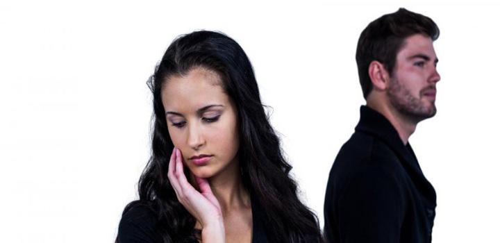 زن و مرد در حال قهر