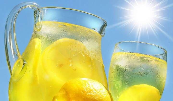 آب را همراه با لیمو برای کوچک کردن شکم مصرف کنید