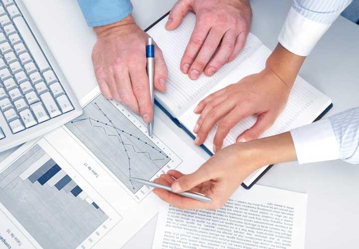 ERP چیست و چرا شرکتها آن را به کار میگیرند؟