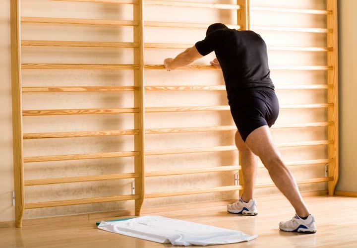 کشش زردپی آشیل حرکت کششی است که به خوش اندامی شما کمک می کند.
