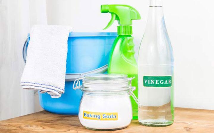 وسایل و مواد مورد نیاز برای شستشوی ماشین لباسشویی : سرکه آب جوش شیرین ـ تمیز کردن ماشین لباسشویی
