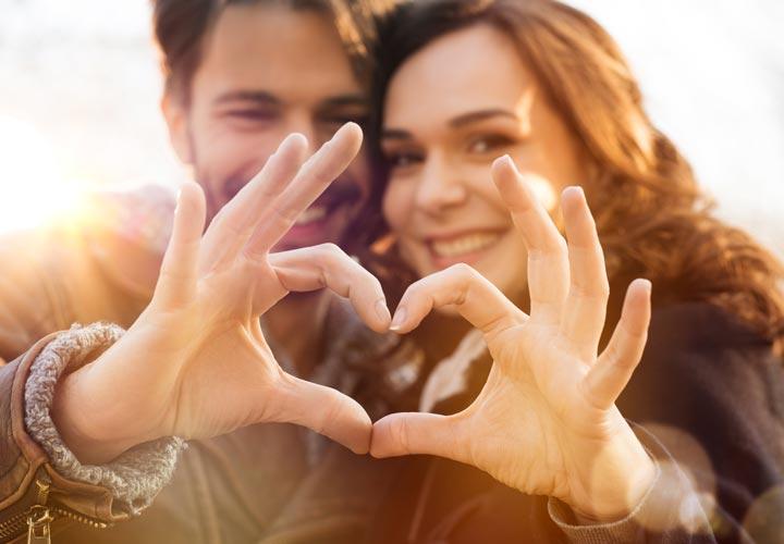 یک رابطهی عاشقانه و سالم باعث میشود که انسان شادتری باشید