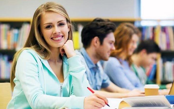 انگلیسی مثل آب خوردن - در کلاسها و گروهها برای تمرین انگلیسی حضور پیدا کنید