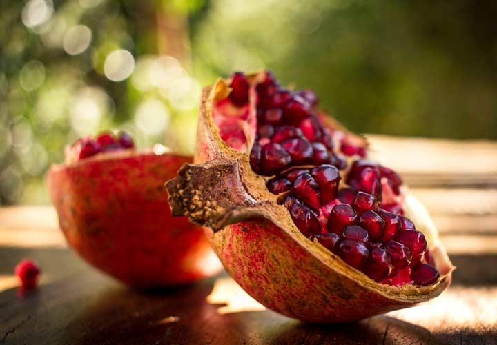 انار به گردش خون کمک کرده و از پیشرفت سرطان پروستات جلوگیری می کند.