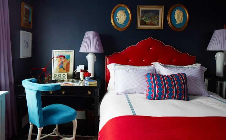 دکوراسیون اتاق خواب و استفاده از رنگهای غلیظ و سرزنده