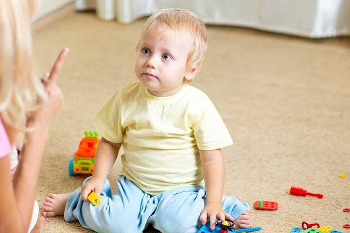اهمیت استفاده از جملات مثبت در رفتار با کودک حرف گوش نکن