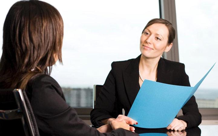مسئول استخدام به تعهد و علاقهمندی شما به کار توجه میکند