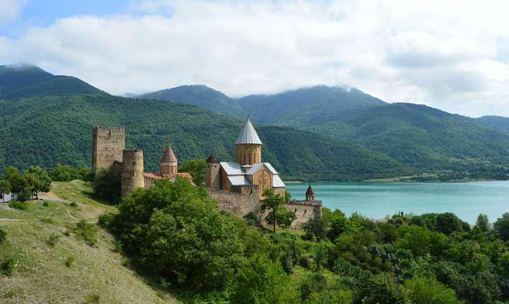 جاهای دیدنی گرجستان کازبگی Kazbegi