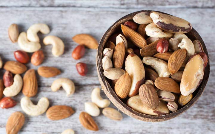 آجیل - غذاهایی که برای کبد مفید هستند