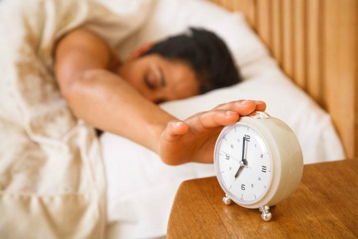 همه به هشت ساعت خواب نیاز دارد - ساعت