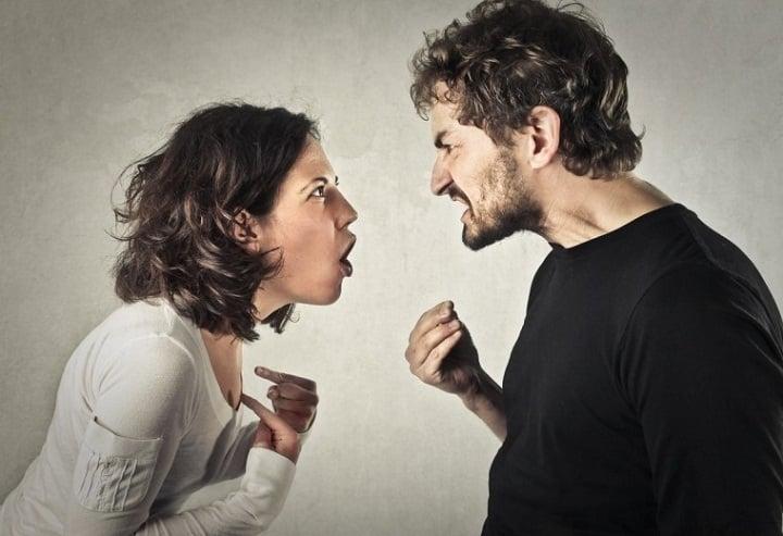 در رابطه عاطفی از عبارتهای تحقیرآمیز استفاده نکنید