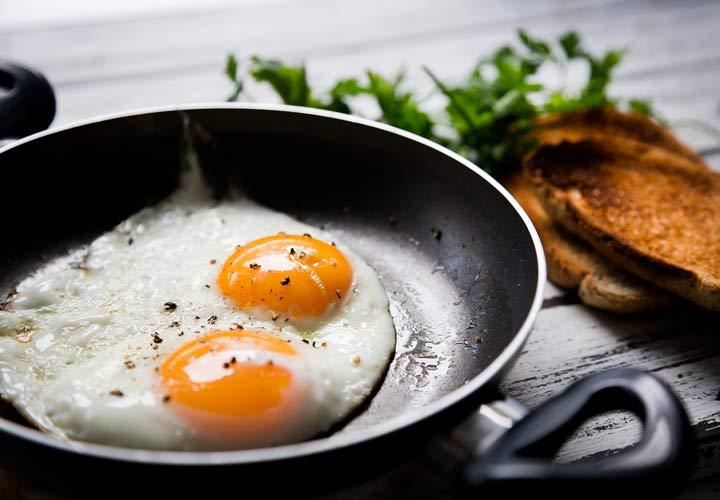 روز را با یک صبحانه سرشار از پروتئین آغاز کنید