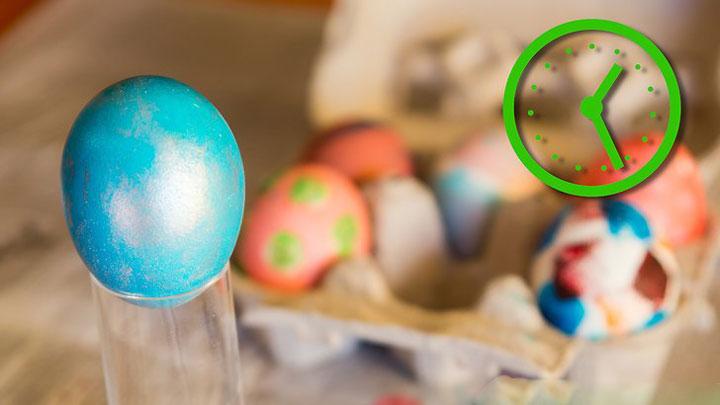 آموزش روشهای مختلف رنگ کردن تخم مرغ طرح درخشان