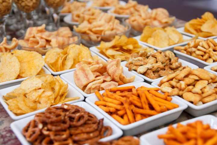 ۱۰ عادت رایج که به کلیههای شما آسیب میرساند - خوردن غذاهای فرآوری شده