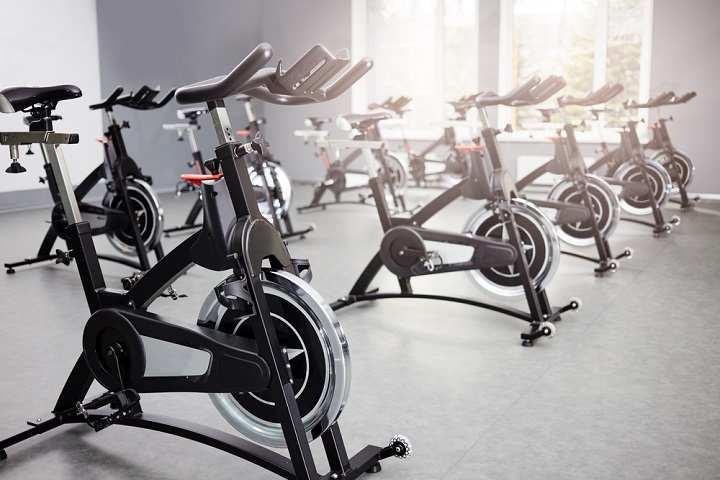 دوچرخه ثابت برای کاهش وزن خیلی مفید است