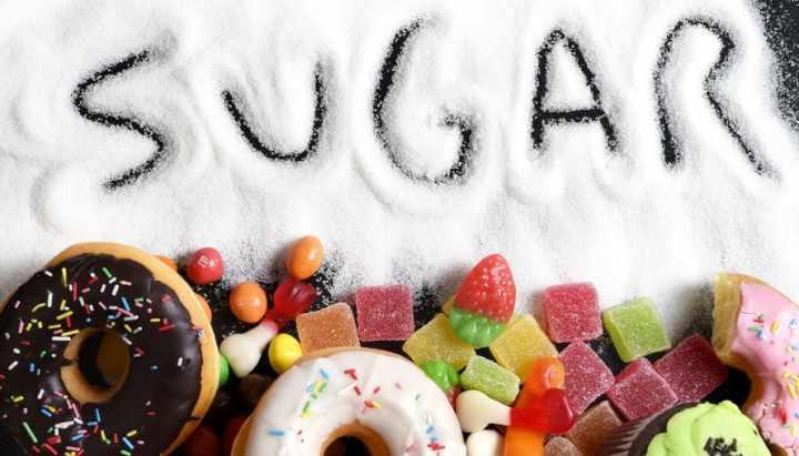 ۱۰ عادت رایج که به کلیههای شما آسیب میرساند - زیاده روی در مصرف شکر