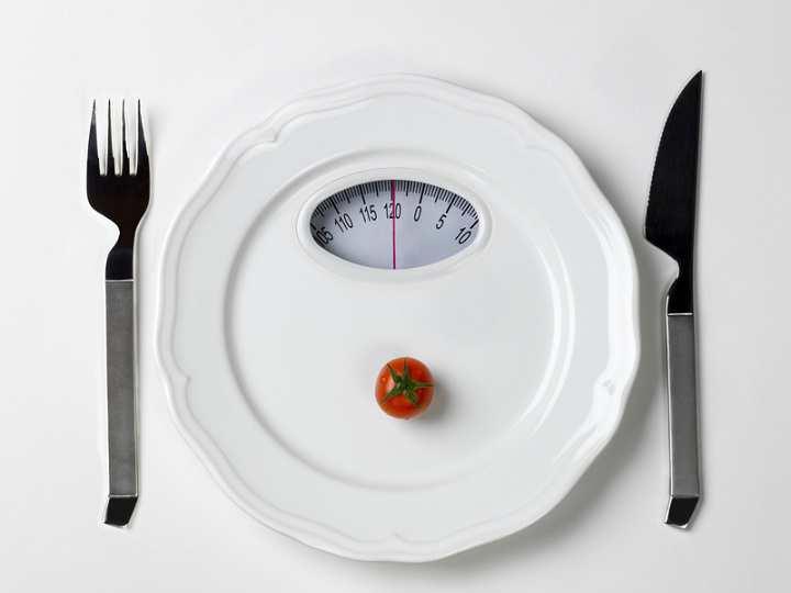 برای درمان بی اشتهایی عصبی باید به وزن خود حساس نباشیم
