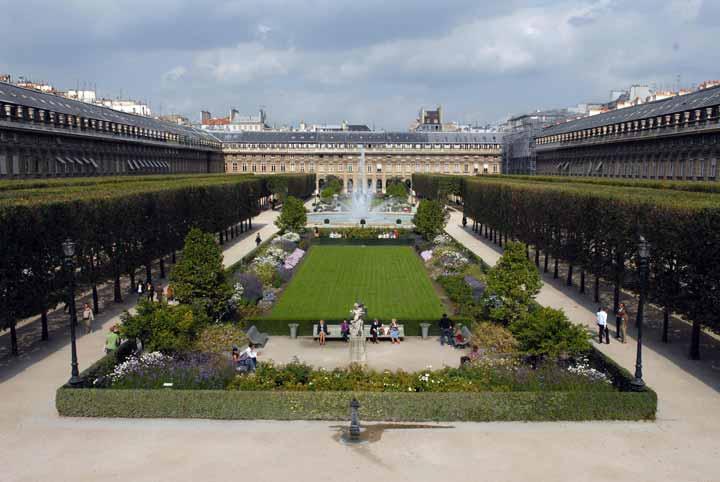 باغهای پَله رویال به دور از شلوغی و هیاهوی شهر - جاهای دیدنی پاریس
