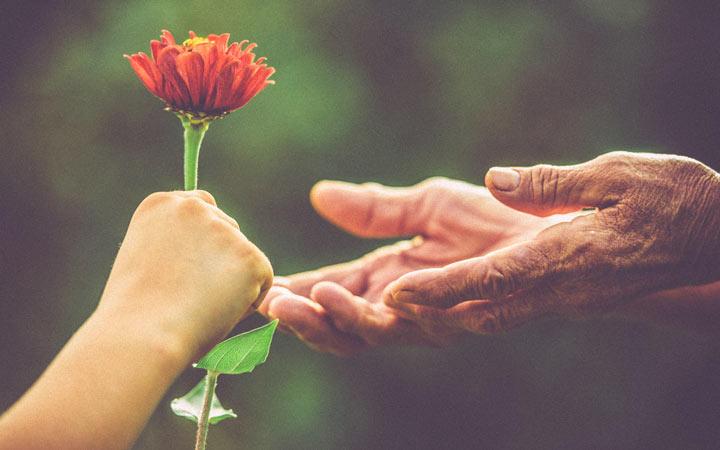 ۷ روش برای اینکه احترام بیشتری کسب کنید - مهربان باشید