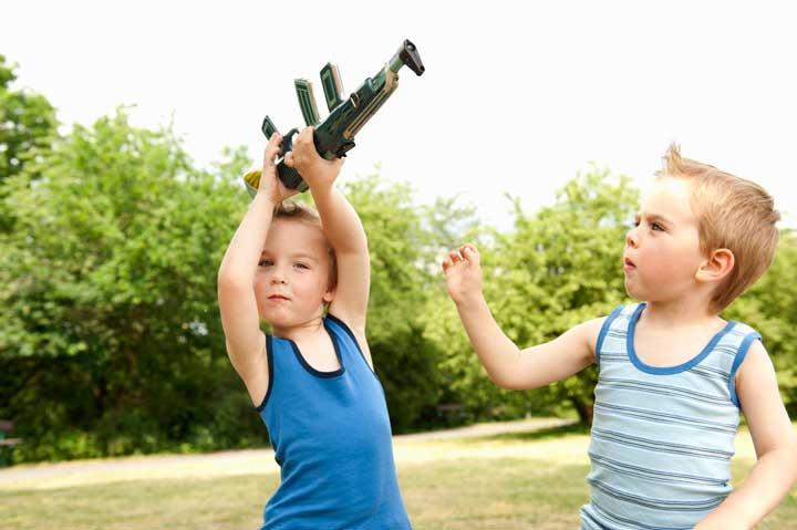 حسادت در کودکان - اشتباهات والدین
