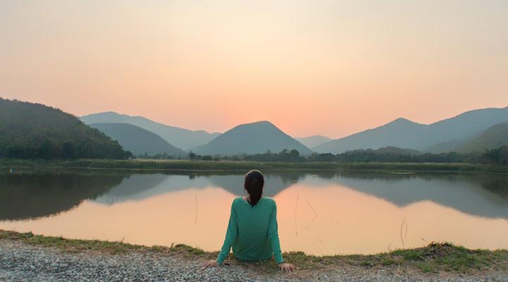 به تمامی مراحل زندگی توجه دارید: از گذشته عبرت میگیرید و چشم بهراه آینده هستید، اما در زمان حال زندگی میکنید
