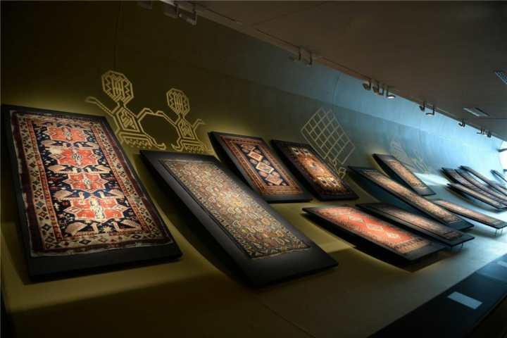 جاهای دیدنی باکو - موزهی فرش