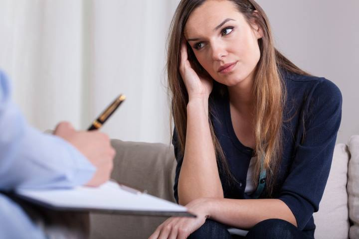 برای کنار آمدن با شکست عشقی خود از متخصصان و مشاوران کمک بگیرید