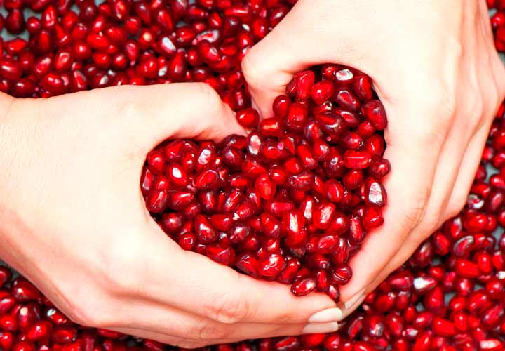 خواص آب انار - آب انار از قلب و سرخرگ ها محافظت می کند.