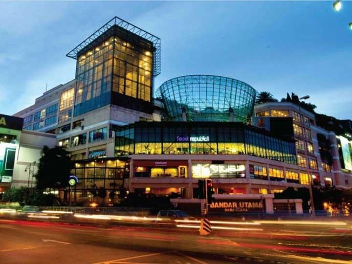 مرکز خرید وان اوتاما (One Utama) از مراکز خرید مالزی