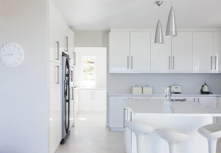 رنگ آشپزخانه - سراسر سفید