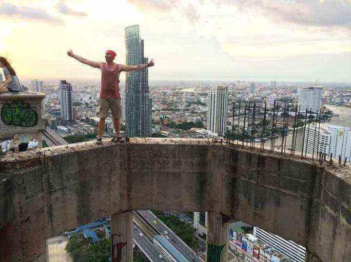 جاهای دیدنی بانکوک - بالا رفتن از برج منحصر به فرد ساتورن