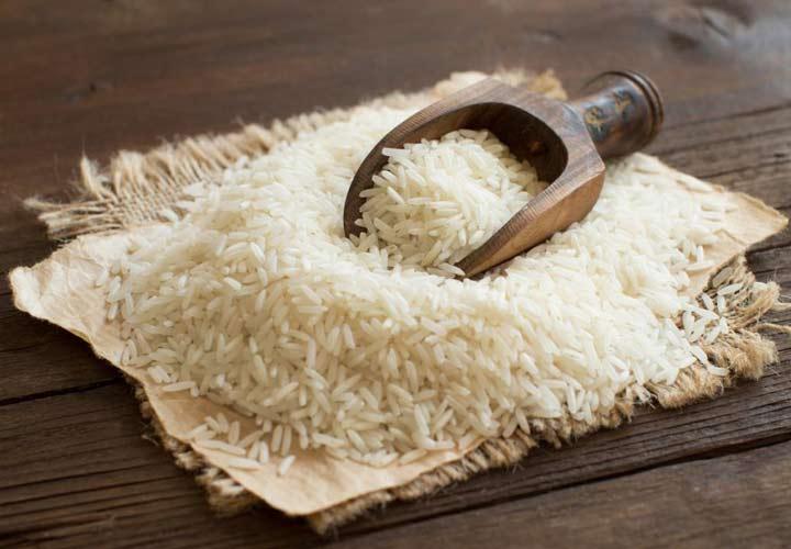 غذاهای سفید مانند برنج سفید، نان سفید و شکر در اثر فرآوری مواد مغذی خود را از دست داده اند و مصرف شان در ماه رمضان توصیه نمی شود.