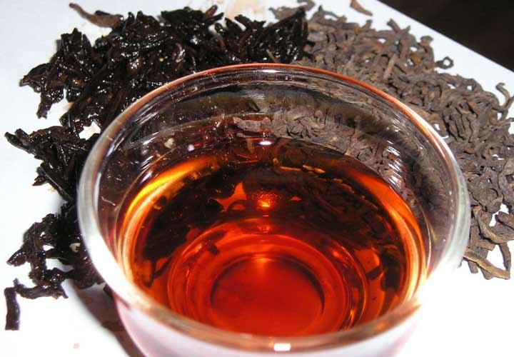 چای لاغری - فلاون های موجود در چای سیاه به کاهش توده ی بدنی کمک می کنند.