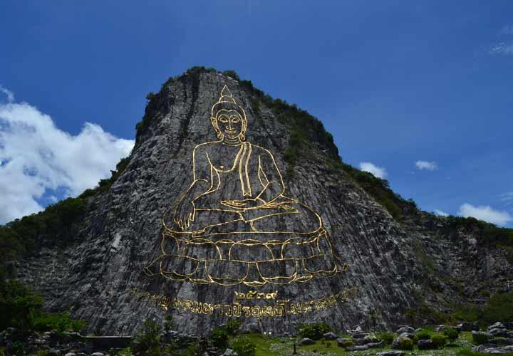 کوه بودا از جاهای دیدنی پاتایا است.