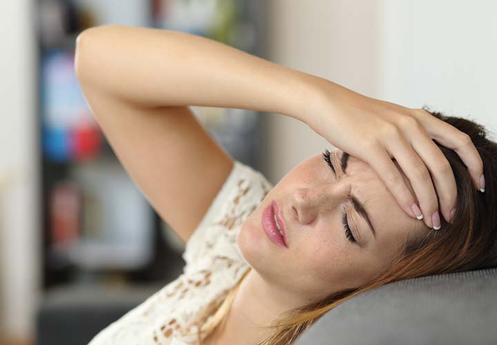 خستگی از علائم کمبود فولات در بدن است.