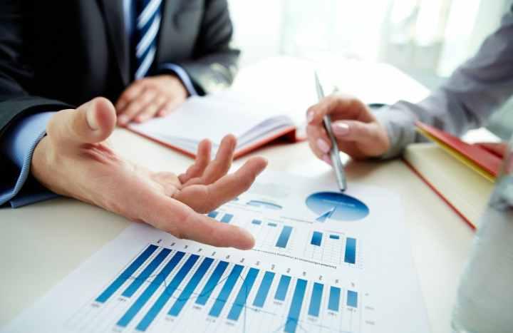 مشاور مالی - نظارت مداوم بر شرایط مالی