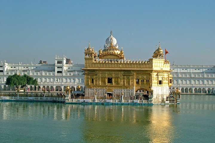 تماشای دربار صاحب در سفر به هند