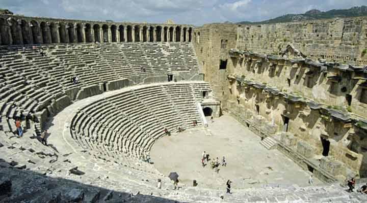 جاهای دیدنی ترکیه - آمفیتئاتر آسپِندوس