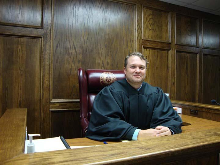 چگونه قاضی شویم؟