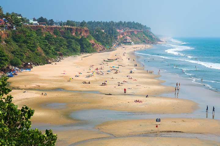 استراحت در ساحل وارکالا در سفر به هند