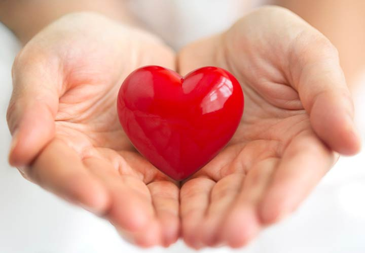 کمک به سلامت قلب از خواص زرشک است.