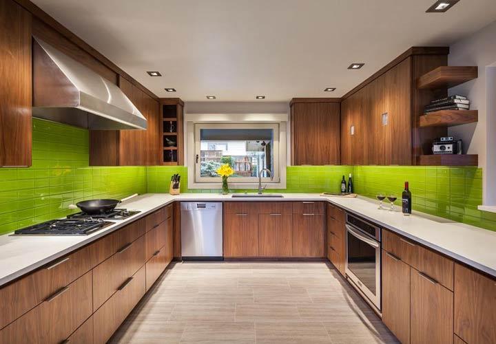 دکوراسیون آشپزخانه مدرن - آشپزخانهای با ترکیب رنگی سبز و قهوهای