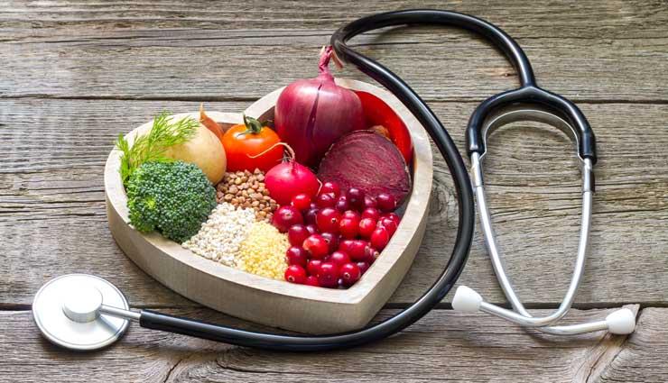 ۱۶ خوراکی سالم که در صورت زیادهروی به سلامت شما آسیب میرسانند