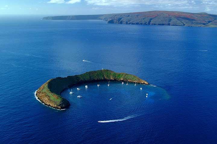 دهانهی آتشفشان مولوکینی در جزایر هاوایی